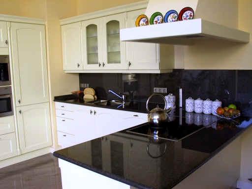 naturstein k chenarbeitsplatten k chenarbeitsplatten aus granit massive granitarbeitsplatten. Black Bedroom Furniture Sets. Home Design Ideas